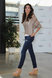 These caramel colored wedges were simple and classic on Daniela Ruah's casual outfit.