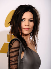 Skylar Grey wore a 'messy' medium hairstyle to the Grammys, and rocked it!
