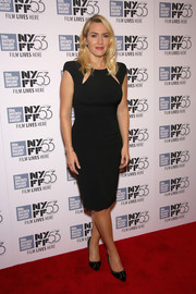 Kate Winslet kept it simple yet sophisticated at the New York Film Festival in a bold-shouldered LBD with yoke cutouts.