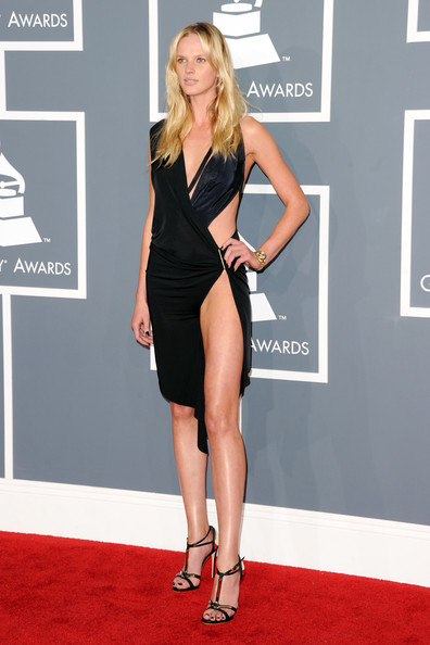 Anne V made us do a double take in this risque number! Cutouts galore with one helluva slit made it look more like she was at a Miami night club than the Grammys. With a figure like this we're pretty sure no one is complaining.