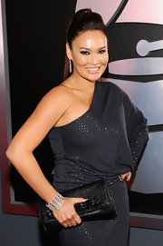 Tia Carrere's diamond cuff bracelet was a fab finish to her Grammys look.