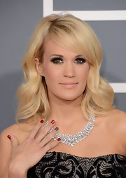 Carrie Underwood's green eyes simply popped with full lashes and a slight smoky eye.