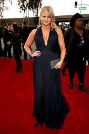 Miranda Lambert looked drop dead gorgeous in this navy gown with a deep-plunging neckline.
