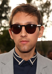 Andrew Dost kept cool with classic Wayfarer sunglasses at the 2013 Grammy Awards.