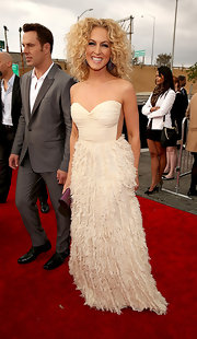 Kimberly was all about texture at the Grammy Awards in this feathery cream dress.