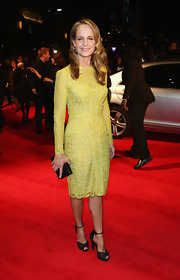 Helen Hung looked fab in her lime lace dress at the London Film Festival.