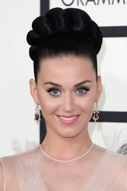 Katy Perry looked theatrical (yet fun) with her massive crown braid at the Grammys.