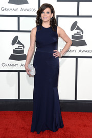 Martina McBride opted for this no-frills navy evening dress by David Meister when she attended the Grammys.