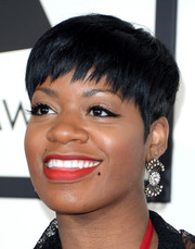 Fantasia Barrino attended the Grammys wearing a cute pixie.