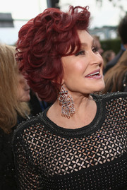 Sharon Osbourne attended the 2014 Grammys wearing her hair in a short curly style.