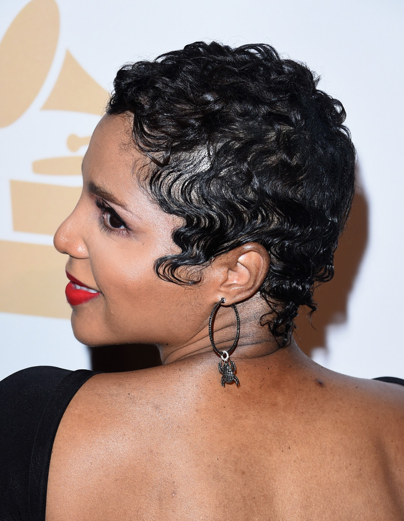 More Pics of Toni Braxton Short Curls (11 of 11) - Short Hairstyles