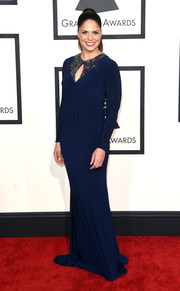 Soledad O'Brien looked very elegant at the Grammys in a blue evening dress with an embellished keyhole neckline.