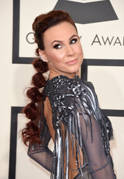 Keltie Knight rocked a fun-looking segmented ponytail during the Grammys.