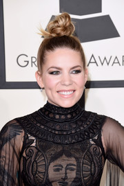 Skylar Grey pulled her tresses up into a funky-glam top knot for the Grammys.