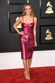 Keltie Knight channeled her inner bombshell in a metallic-pink corset dress for the 2017 Grammys.