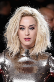 Katy Perry was rocker-glam with this teased hairstyle at the 2017 Grammys.