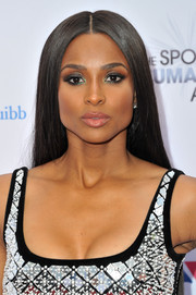 Ciara looked elegant with her sleek straight hairstyle at the 2019 Sports Humanitarian Awards.