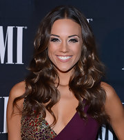 Jana wore her hair in shiny waves for the BMI Country Awards.
