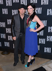 Shawna Thompson was in the mood for blue during the BMI Country Awards. She wore a cocktail dress with a lace-panel aqua bodice and a cobalt skirt.