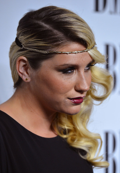 More Pics of Kesha Side Sweep (1 of 26) - Kesha Lookbook - StyleBistro