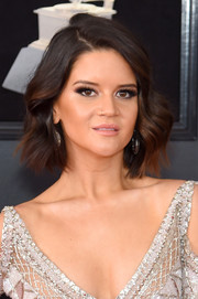 Maren Morris looked sweet and adorable wearing this short wavy style at the 2018 Grammys.
