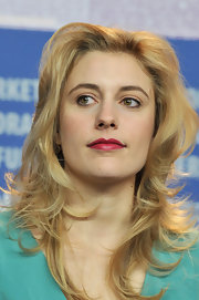Greta Gerwig's red lipstick looked striking against her pale foundation when she attended the 'Greenberg' photocall.