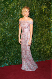 Sienna Miller looked dreamy in a pink lace off-the-shoulder gown by Burberry at the London Evening Standard Theatre Awards.