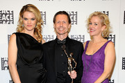 Penelope Ann Miller and Missi Pyle Photo