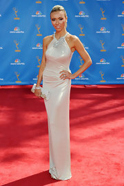 Giuliana looked exquisite at the Emmy Awards with a layered sparkling bracelet.