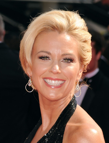 Kate Gosselin swept her hair back in a classic bun for the Emmy Awards.