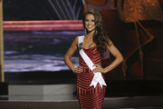 Miss USA Nia Sanchez wore a lovely red strapless gown during the Miss Universe competition.
