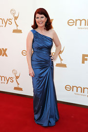 Kate Flannery was ravishing at the Emmys in a one-shoulder aquamarine taffeta gown with jewel detailing at the hip and shoulder.