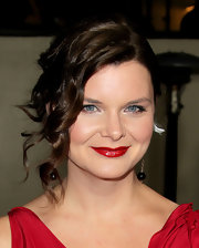 Heather Tom wore her shiny tresses in a romantic updo with a lot of pretty face-framing curls at the 64th Annual Directors Guild of America Awards.