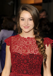 Shailene Woodley wore her hair in a long side braid at the 64th Annual Directors' Guild of America Awards.