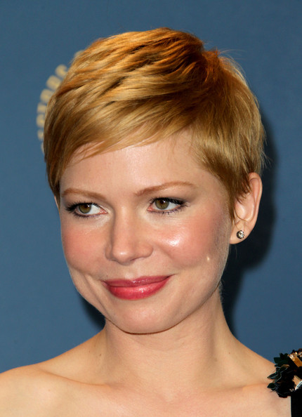 More Pics of Michelle Williams Pixie (1 of 14) - Michelle Williams Lookbook - StyleBistro [michelle williams,face,hair,hairstyle,eyebrow,chin,blond,forehead,head,lip,cheek,room,press room,hollywood,california,grand ballroom,directors guild of america awards,hollywood highland]