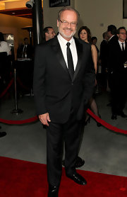 Kelsey Grammer opted for a black tux and a solid tie for the Directors Guild of America Awards.
