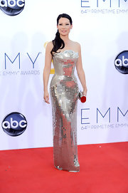 Lucy Liu killed it on the red carpet in this structured silver gown.