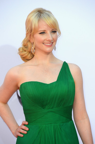 More Pics of Melissa Rauch One Shoulder Dress (1 of 6) - Melissa Rauch Lookbook - StyleBistro