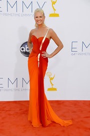 Nancy O'Dell looked like a pageant queen in this vibrant bustier gown.