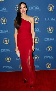 Famke was a vision at the DGA Awards in this red single-shoulder gown with a sheer chiffon overlay.