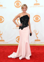 Anna chose a stunning blush and black-lace bodice dress for the red carpet of the 2013 Emmy Awards.