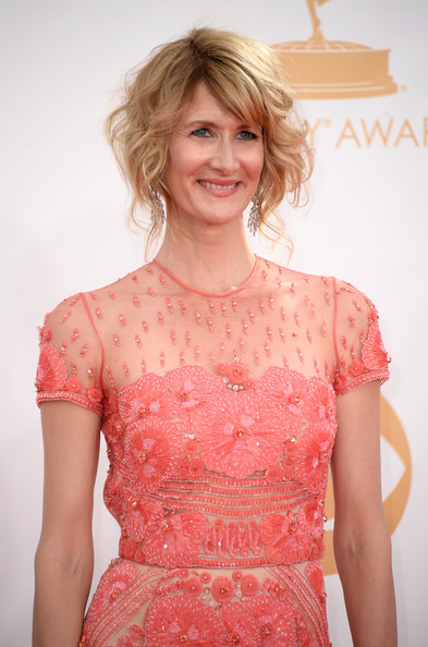 More Pics of Laura Dern Curled Out Bob (2 of 23) - Laura Dern Lookbook - StyleBistro
