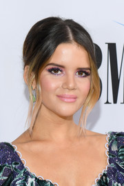 Maren Morris went for a retro-elegant loose bun at the 2018 BMI Country Awards.