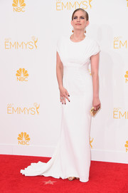 Anna Chlumsky was all about minimalist elegance at the Emmys in a white Zac Posen gown featuring cap sleeves and a floor-sweeping hem.