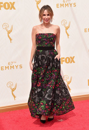 Keltie Knight went for feminine charm in a flower-embroidered strapless gown by Elie Saab during the Emmy Awards.
