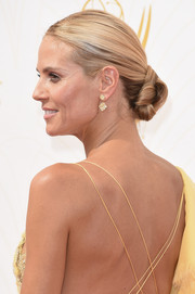 Heidi Klum wore an elegantly sculpted bun at the Emmy Awards.