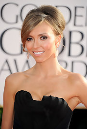 E!'s red carpet hostess with the mostess shined in sterling silver Wonderland teardrop earrings in blush.