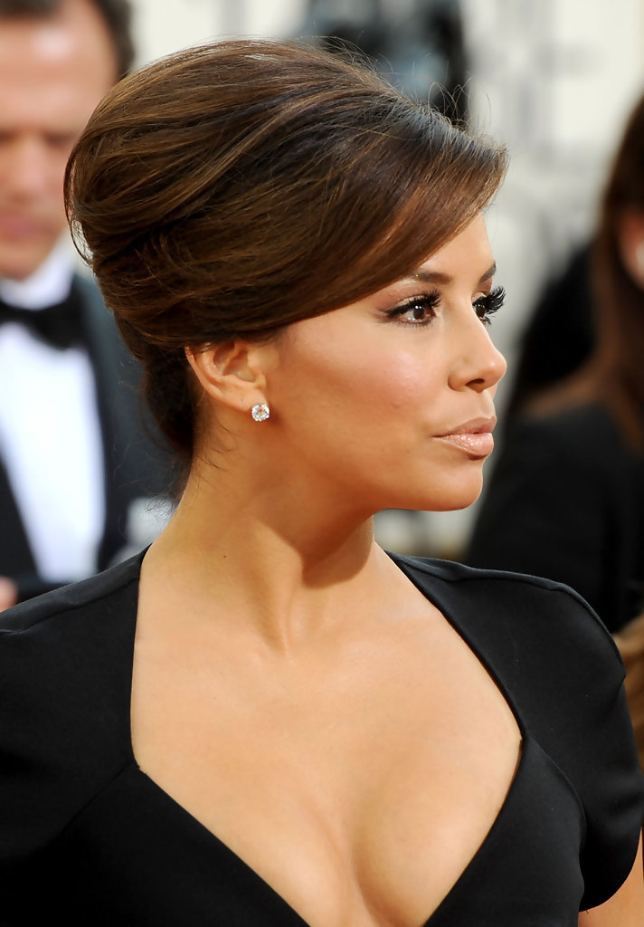 Actress Eva Longoria arrives at the 68th Annual Golden Globe Awards held at The Beverly Hilton hotel on January 16, 2011 in Beverly Hills, California.