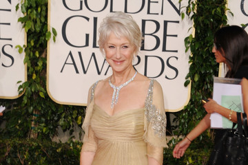 Helen Mirren Bares Her Shoulders in Badgley Mischka at the Golden Globes 2011