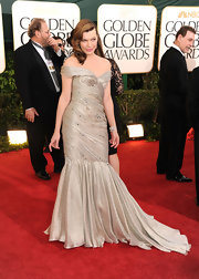 Milla looked oh-so glamorous in a silver off-the shoulder gown.